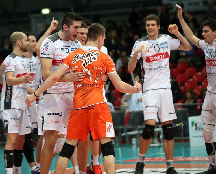 Grande Tonazzo, vittoria a Piacenza