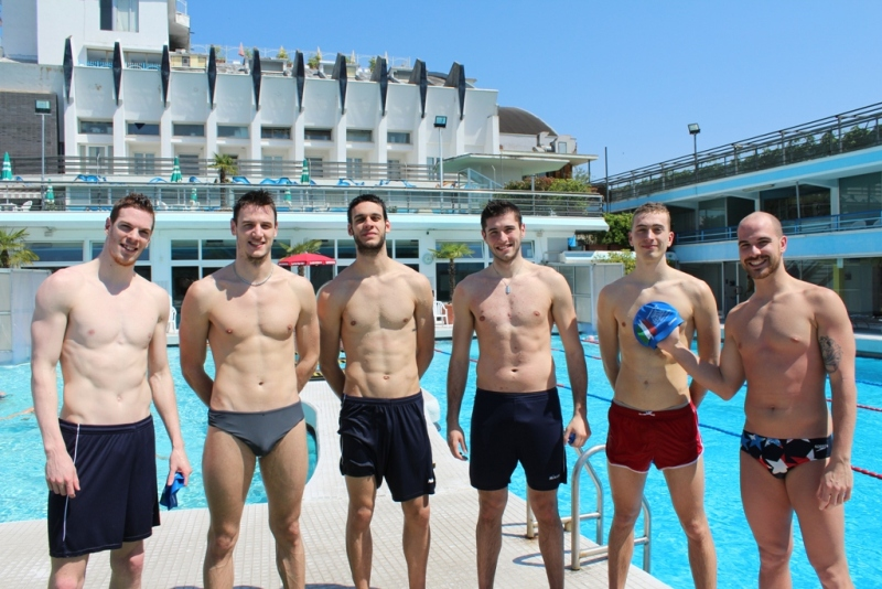 "Atleti ""a nudo"" al Columbus Thermal Pool"