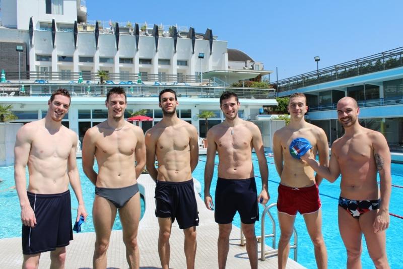 "Atleti ""a nudo"" al Columbus Thermal Pool"
