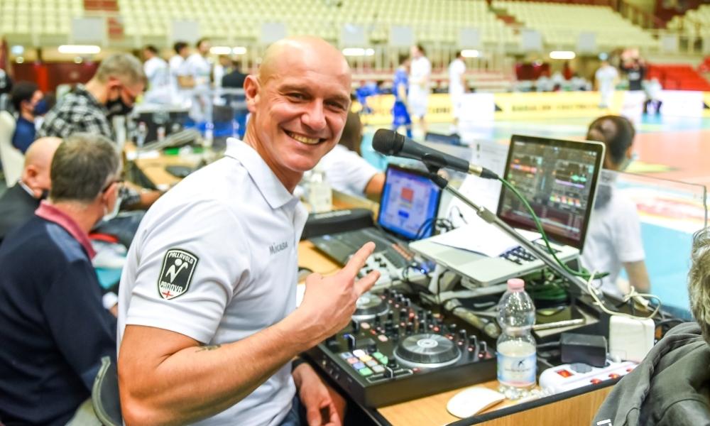 Stefano Ferrari: la radio, il volley e la rinascita dopo la malattia